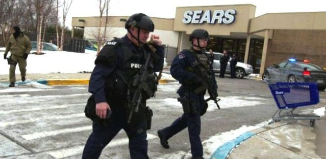 Maryland Mall Shooting: 4 shot w/ 3 dead.
